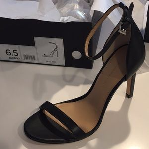 Banana Republic Holland Strappy Heel Black NIB